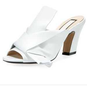 No. 21 $698 Napa Leather Chunky-Heel Mule with Bow